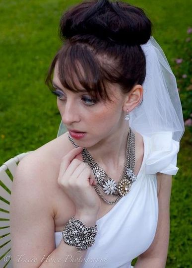 This modern bride selected our Metropolitan necklace and Petra bracelet.
