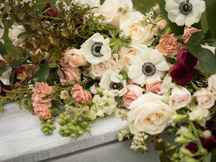 Tmx 1534293922 D6d07679a5d5b94f 1534293920 2bc05f4e3ce76532 1534293918886 4 Wild Mountain Blos Black Mountain wedding florist