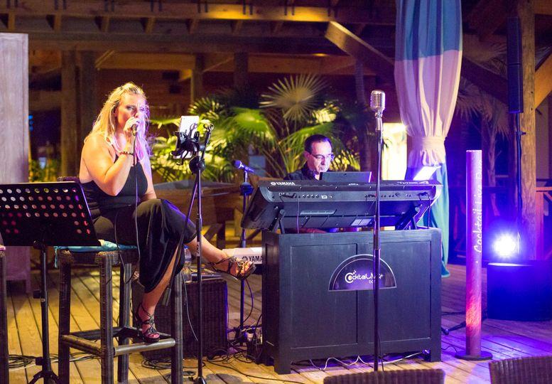 Singing duo