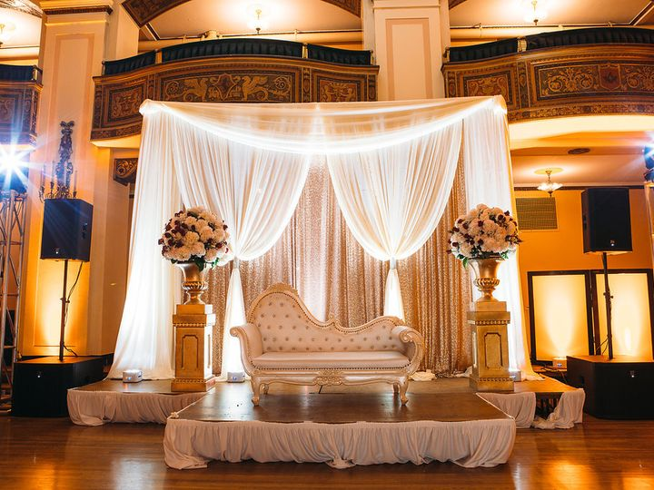 Tmx Rosyandshaunweddingphotography755 51 123132 Detroit wedding venue