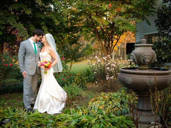 Tmx Couple In Gardens 51 6132 157566533884319 Leesburg, VA wedding venue