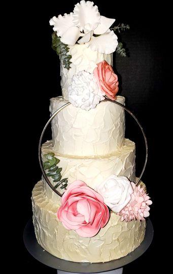 Rustic wedding w flower ring