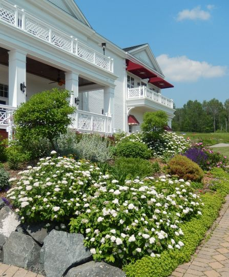 clubhouse thru garden