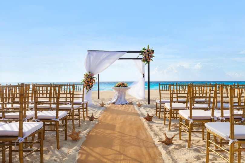 playa gran caribe cancun beach wedding 979280