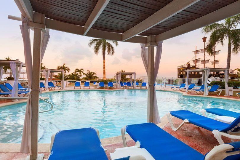 playa gran caribe cancun main pool 979294