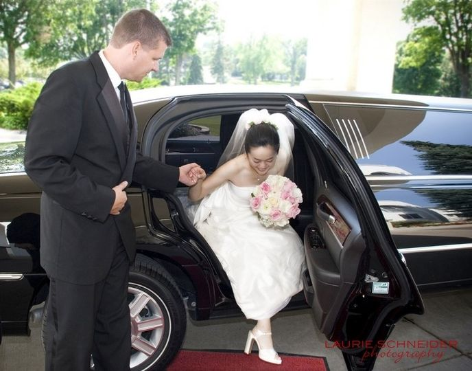 brideblackweddinglimo2big