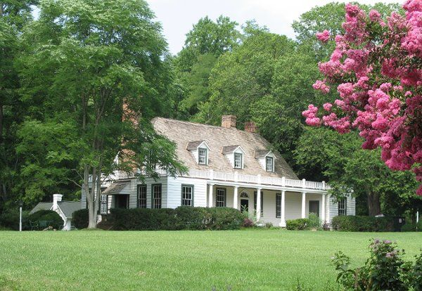 Built approximately 1745, this house was home to Colonial Potomac society and has a beautiful view...