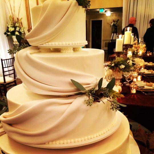 Elegant look cake