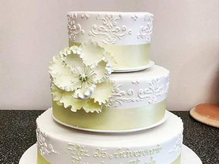 Tmx 1484780200549 Screen Shot 2017 01 18 At 2.55.09 Pm Beaverton, OR wedding cake