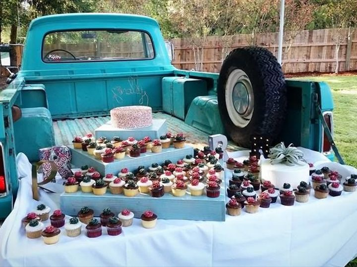 Tmx 1516838097 1b83146d52ef156f 1516838096 D2cc3fb913df2cbf 1516838095149 5 Beaverton Bakery C Beaverton, OR wedding cake