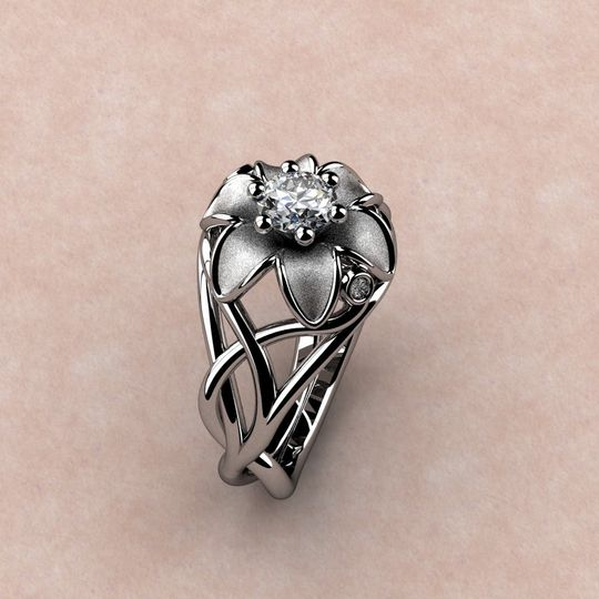 saylor lilly ring