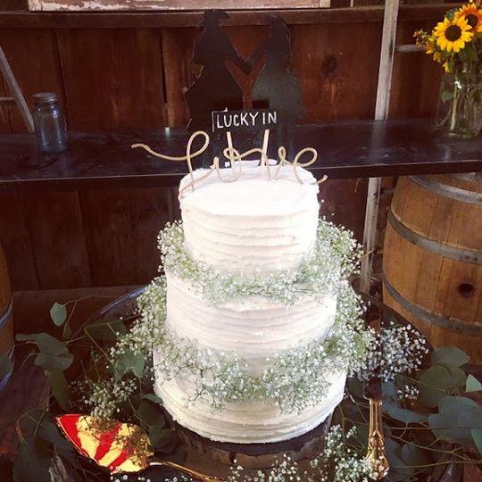 Babies Breath wedding cake
