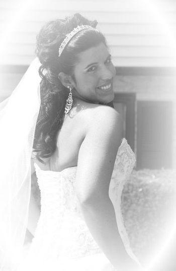 Nicole Gonzalez- Hairstylist/Makeup Artist