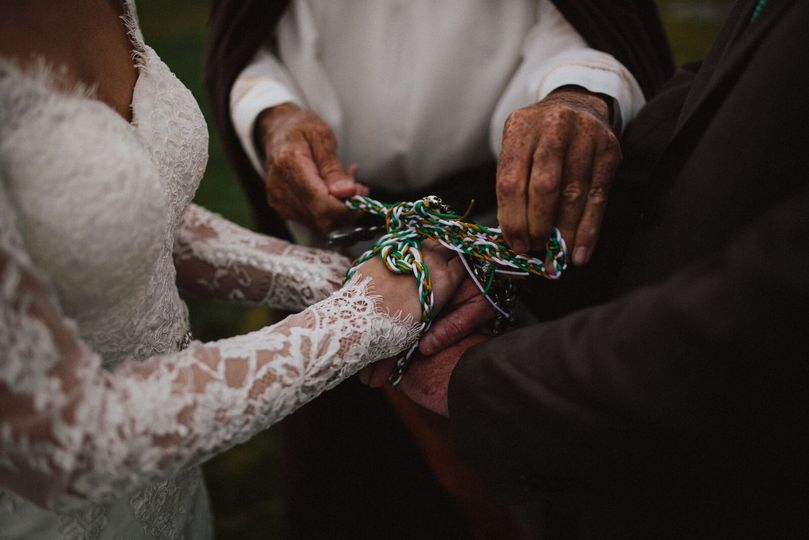 Traditional Irish hand fastening at Sea View House in Doolin