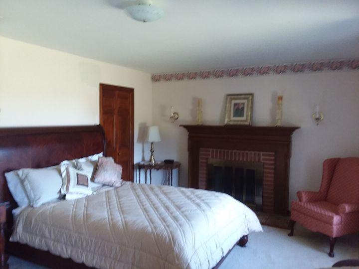 Colonial Bedroom Suite