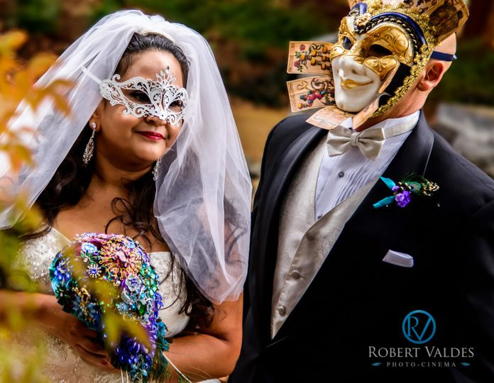 halloween wedding photo by robert valdes 1001