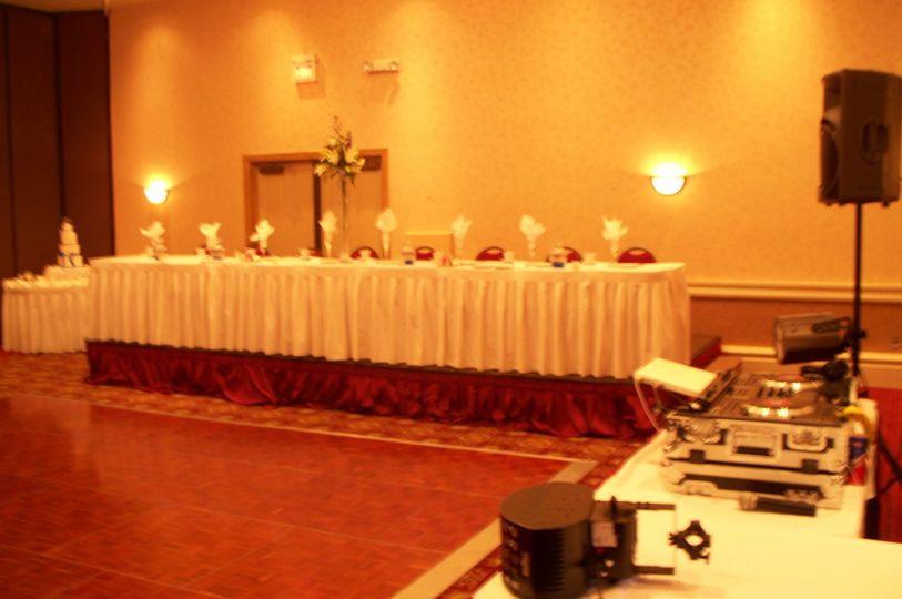 Long head table