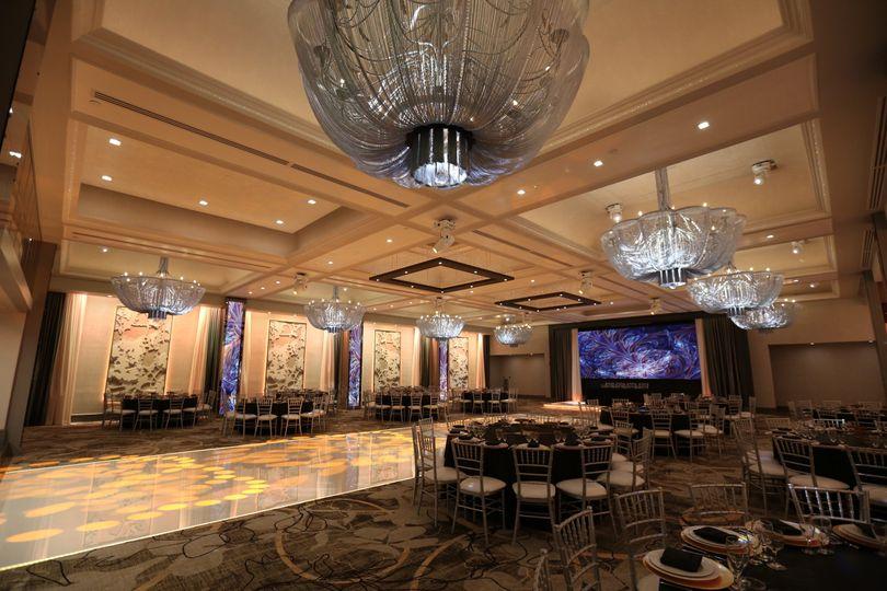 e464b6cc01ea9e37 Anoush Catering at Modern Banquet Hall Legacy Ballroom 3