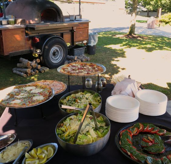 Pizza, salads and the oven