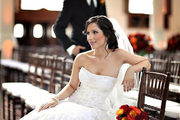 800x800 1255747304502 bridesittinginchiavariscloseupvibiana