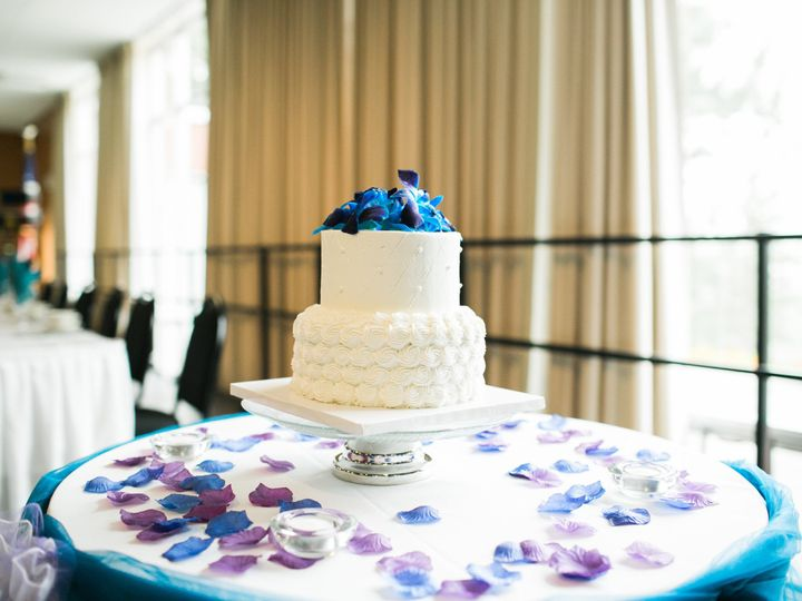 Tmx 1480793501538 Weddingcake Spokane, WA wedding catering