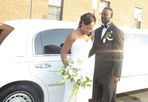 Tmx 1252358134217 GUEST008 Charlotte wedding transportation