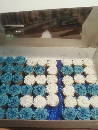 graduation cupcakes 2