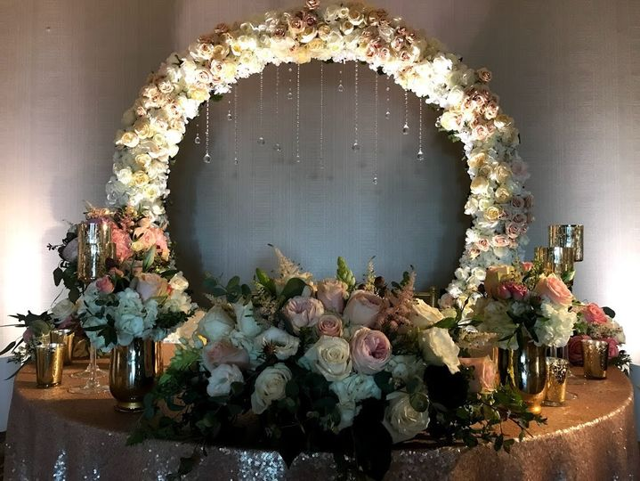 Bridal table and arch