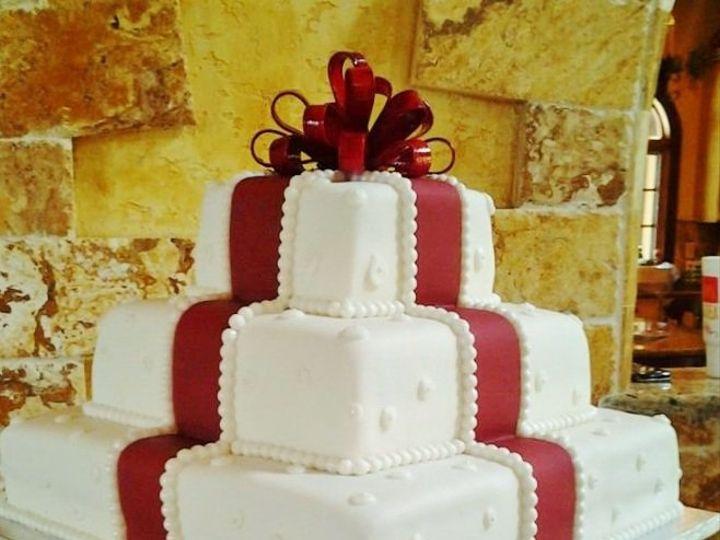 Tmx 1349700931084 266621792369122137021538878382n Clermont wedding cake