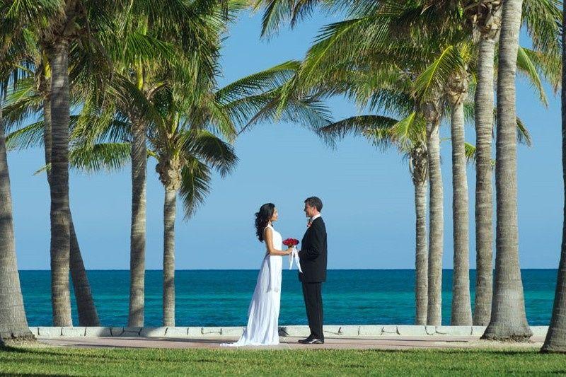 couple facing horiz out