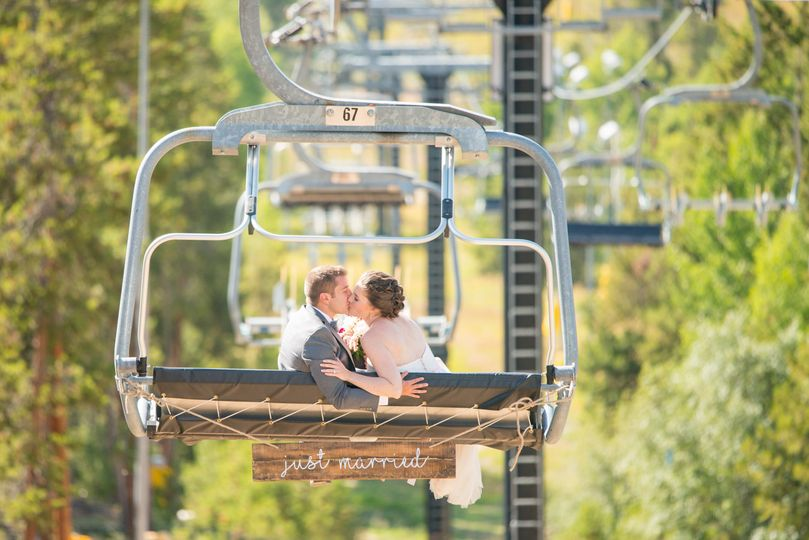 granby ranch wedding mountain chairlift kiss