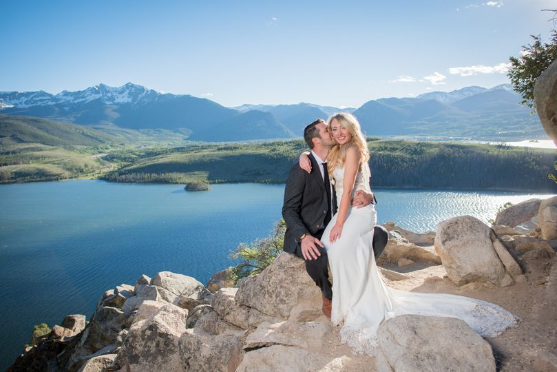 sapphire point colorado wedding on lake dillon in