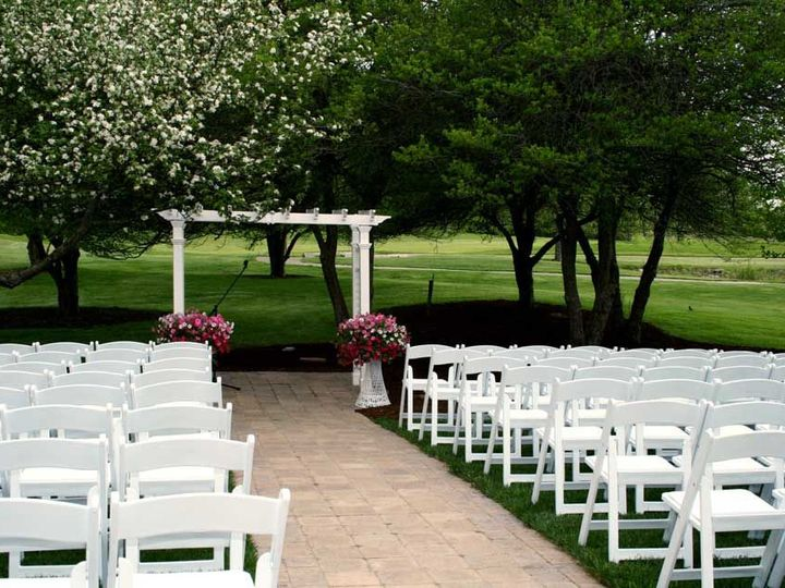 Tmx 1533094045 52092fa110cd3db4 1533094044 1e21b6d2a4aa4aa7 1533094044550 6 Ceremony Site 2 1 Wisconsin Rapids, WI wedding planner