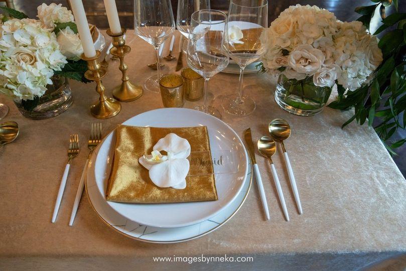 Simple, elegant table setting