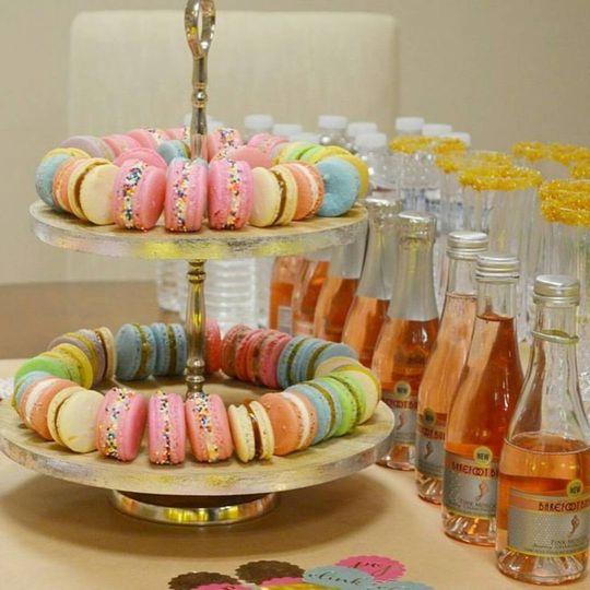 Macaron + Bubbly