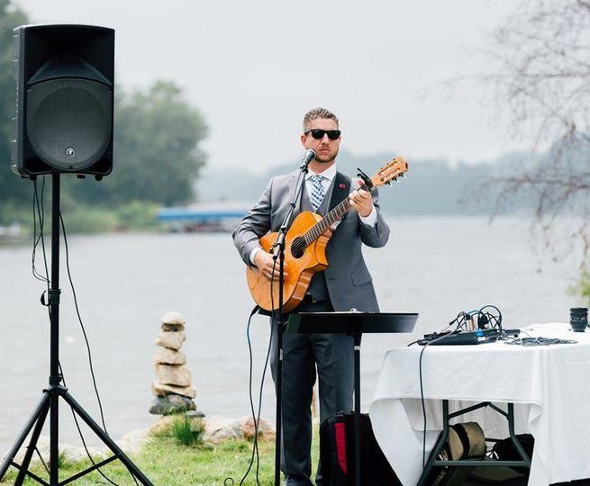 Johnny Breeze Professional DJ, Acoustic Guitar & Piano