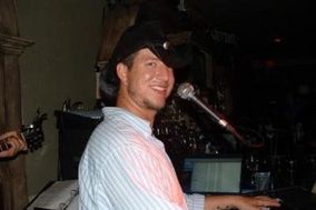 Johnny Breeze Professional DJ, Acoustic Guitar & Piano
