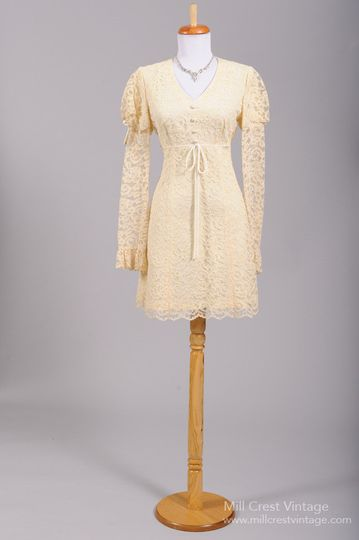 1960's Mod Vintage Wedding Dress   Designed in the 60's, by California Charmer, this adorable mod...