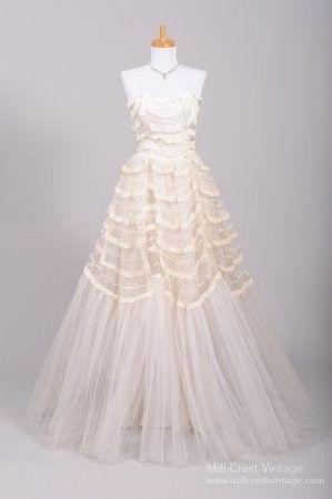 Tmx 1425864918671 70acc6284e7166a6e097157cdb356d1a.image.299x450 Newtown wedding dress