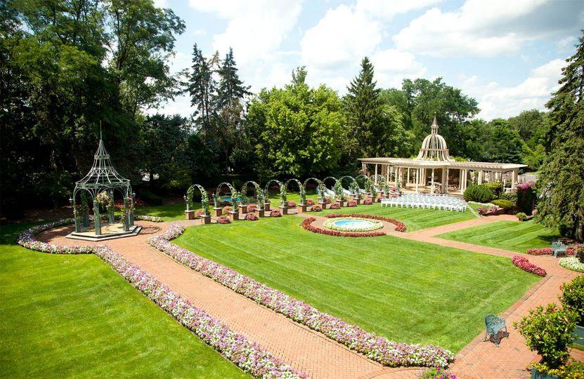Vast gardens
