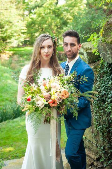 Outdoor wedding in neutrals