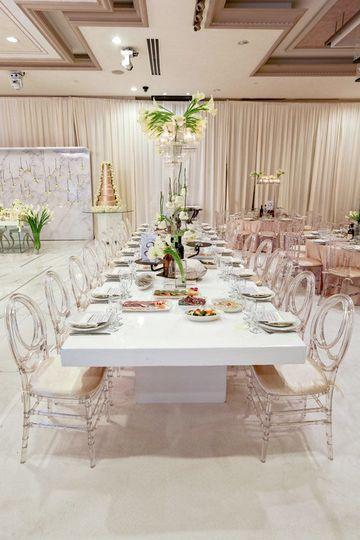 De Luxe Ballroom Table Setting