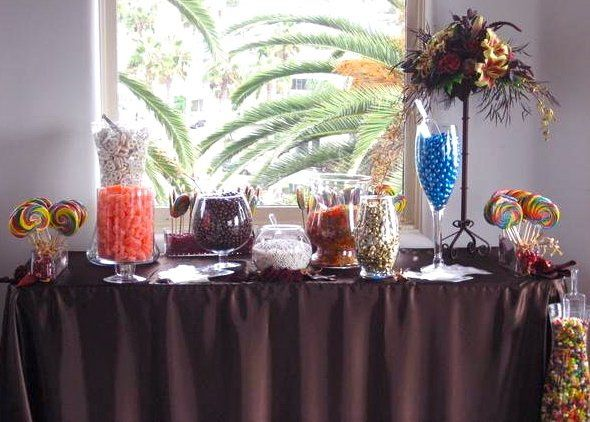 Weddings are perfect for candy buffets