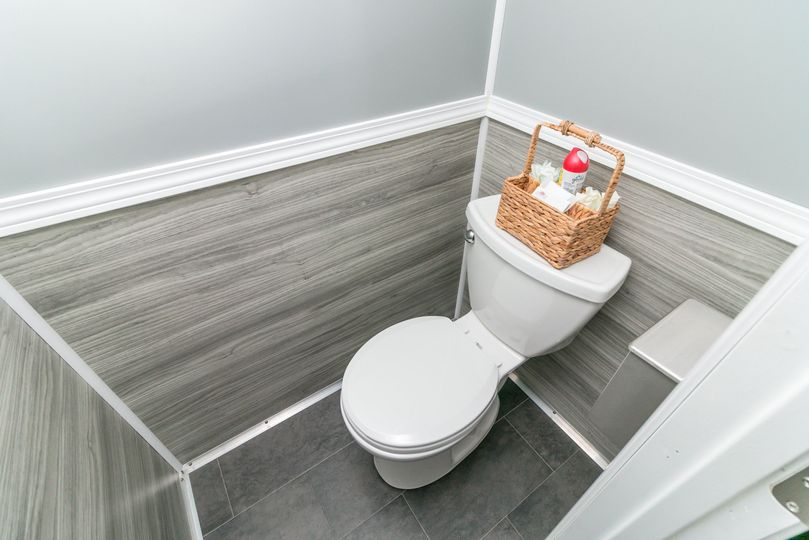 Women's Private Stall