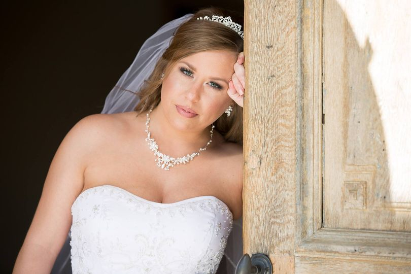 Bridal makeup and accessories