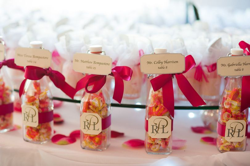 Favors, Pink lemonade candiy in a bottle for children with pink limoncello for adults