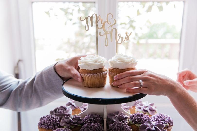 9ef7e894f8d25279 Jumbo Wedding Cupcakes Buttercream Rose