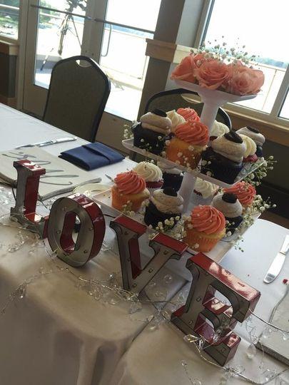 Wedding Cupcakes Centerpiece Display
