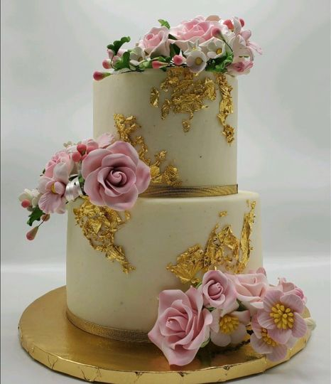Fondant flowers/ gold foil