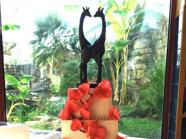 Tmx 1516131641 A80a8a090f4fb47f 1516131639 35f826f2bec7e943 1516131636549 12 IMG 3939 Orlando, Florida wedding cake